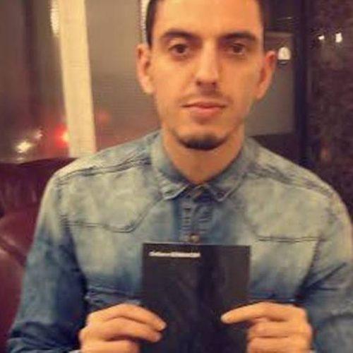 """Sur les traces de Mouloud Mammeri, le jeune talent écrivain kabyle  Bennacer Sofiane  """"Cette Lumière qui se Fait Rare"""""""