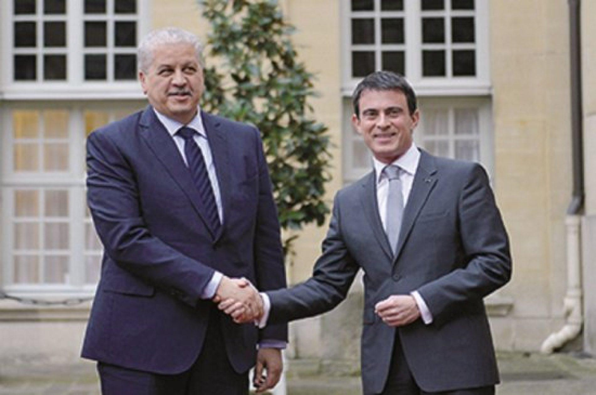 D'autres médias français boycottent, Valls exprime ses profonds regrets