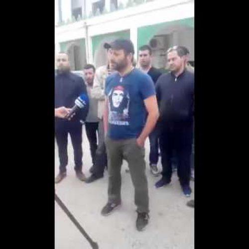 La mobilisation des citoyens Azazga contre la visite de Chakib Khalil au mausolée du village